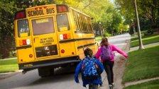 أطفال يُفشلون عملية خطف حافلة مدرسية في أميركا..أطلق سراحهم بعد أن ضايقوه بكثرة أسئلتهم!