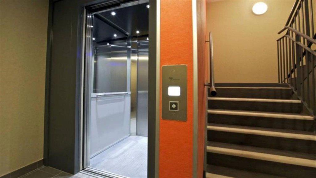 من نتائج الأزمة الإقتصادية: سرقة الـBoard من غرف المصاعد في الأبنية.. كونوا يقظين أو استعملوا السلالم!