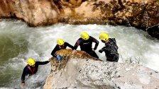 فقدان فتاة (17 عاماً) في نهر جنة وادي نهر إبراهيم...كانت تتنزه مع مجموعة من الأصدقاء فسقطت وجرفها منسوب النهر المرتفع