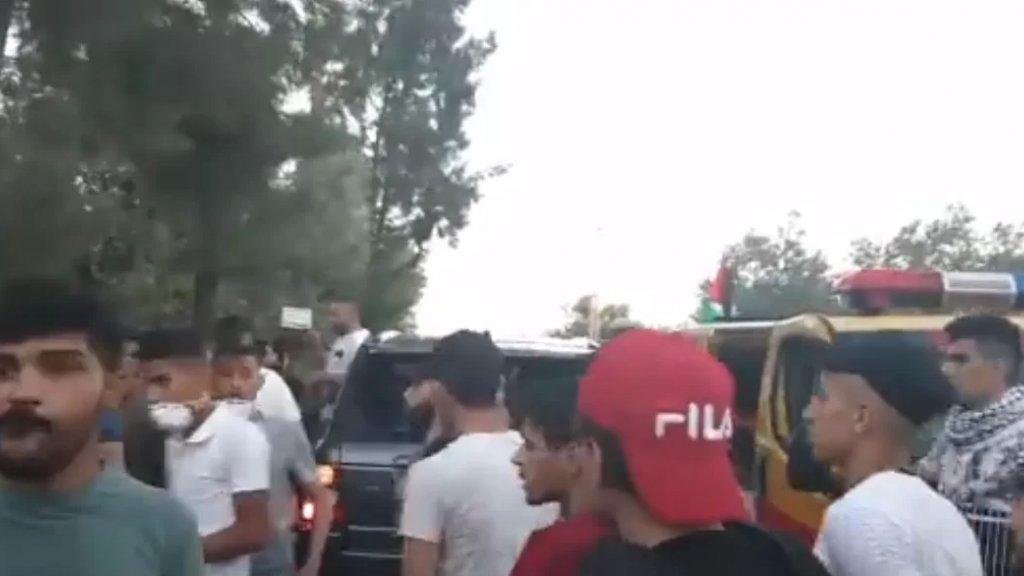 بالفيديو/ إصابة حرجة لأحد المتظاهرين في بلدة كفركلا الحدودية