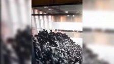 """بالفيديو/ عشرات الإصابات في صفوف المستوطنين جرّاء انهيار مدرج  في كنيس يهودي بمستوطنة """"جفعات زئيف"""" شرق القدس"""
