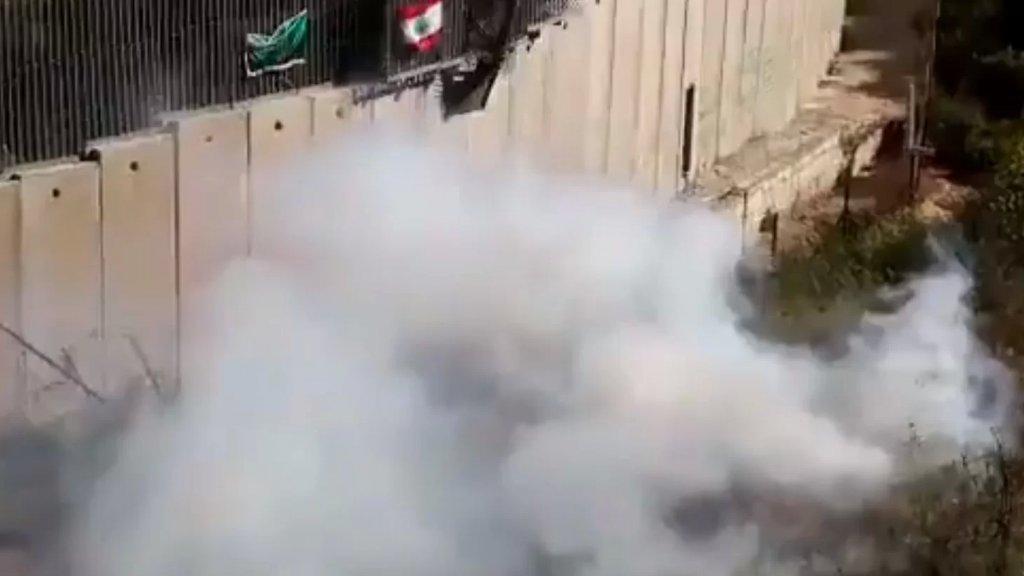 بالفيديو/ جيش الاحتلال يلقي قنابل مسيلة للدموع على المتظاهرين في العديسة