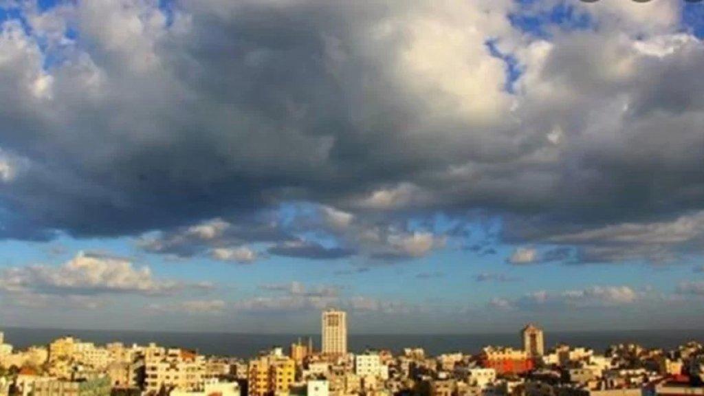 الحرارة تتخطى معدلاتها الموسمية في لبنان ولكن أمطار متفرقة اعتبارا من بعد الظهر السبت!