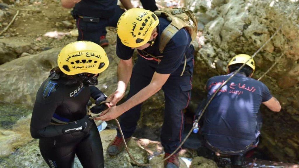 بالصور/ عمليات البحث متواصلة عن الشاب هادي حكيم الذي فقد منذ ١٤ نيسان الماضي في مجرى نهر الجوز /بيت شلالا في قضاء البترون