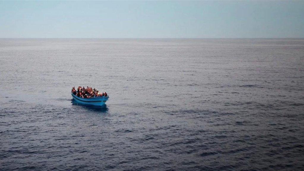 للمرة الثانية وخلال أقل من شهر.. إحباط محاولة تهريب سوريين قبالة شاطئ العريضة وعددهم قرابة الـ 40 شخصا بين رجال ونساء وأطفال