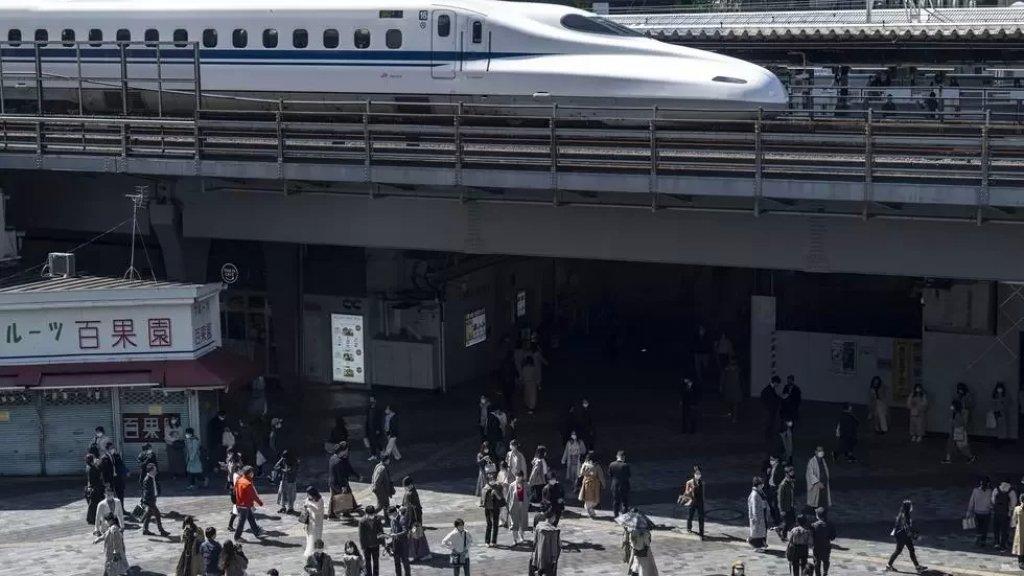 """السلطات اليابانية تفتح تحقيقا بعد تأخر قطار عن موعد وصوله لـ """"دقيقة واحدة""""...وادارة الشركة تعتذر!"""