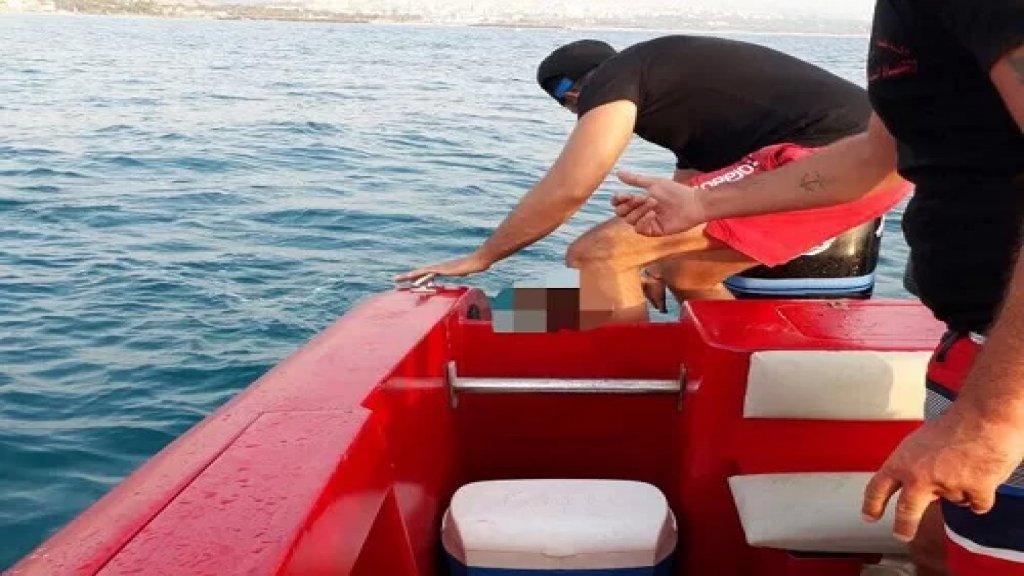 عناصر الدفاع المدني تتمكن من إنقاذ شابين من الغرق في البحر قبالة شاطئ السعديات