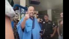 بالفيديو/ صاحب محطة وقود يهين رجال الأمن والمراقبين