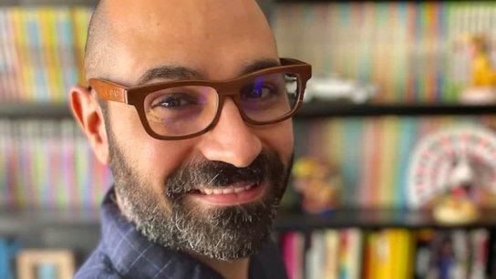لؤي موليّس.. شاب لبناني أوصله طموحه إلى عالم ديزني