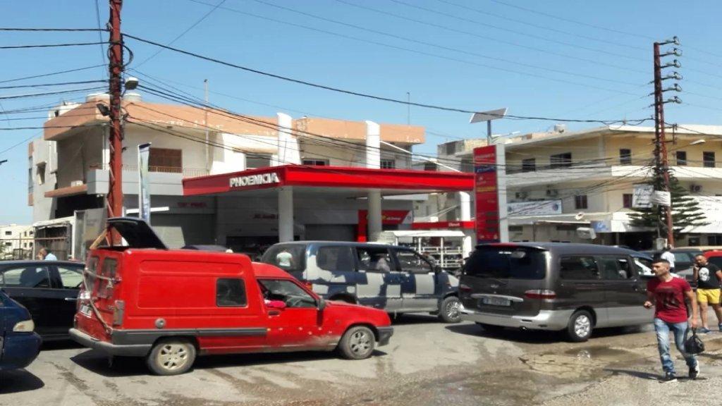 إشكال وتضارب في ساحة حلبا على خلفية تعبئة البنزين والجيش يتدخل!