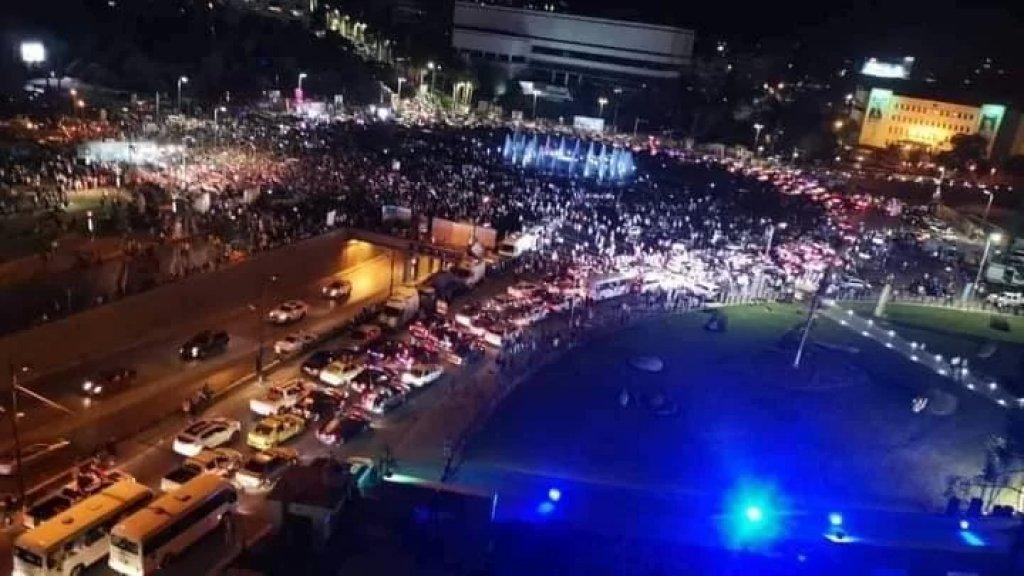 بالصور/ حشود غفيرة في الساحات في سوريا احتفالًا بإنجاز الإستحقاق الرئاسي قُبيل صدور النتيجة