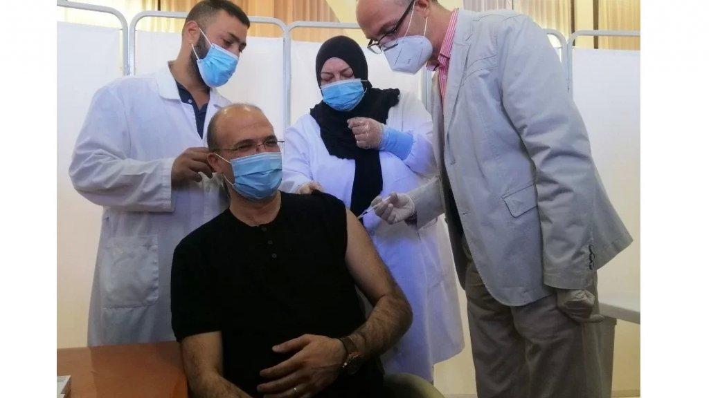 حمد حسن: نصف مليون مواطن ومقيم تلقوا اللقاح حتى الآن في لبنان
