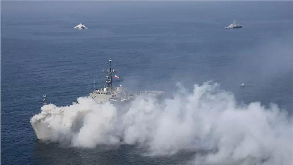 بعد حريق غامض... غرق أكبر سفينة تابعة للبحرية الإيرانية في خليج عمان!