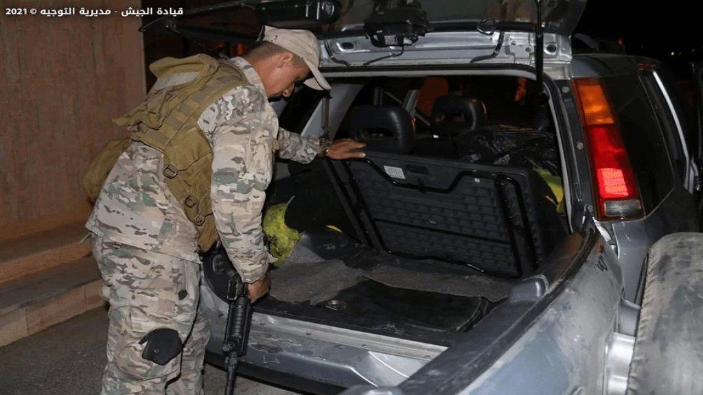 محاولة تهريب 42750 ليتراً من مادة المازوت و3850 ليتراً من مادة البنزين وطن من الترابة إلى سوريا… والجيش اللبناني بالمرصاد