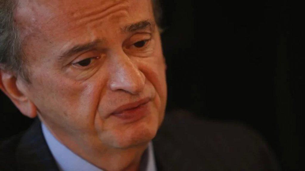 سلامة: البنك المركزي سيبيع الدولار للمصارف المشاركة على منصة Sayrafa بسعر 12 ألف ليرة للدولار الواحد على أن تبيعها المصارف بسعر 12,120 ليرة