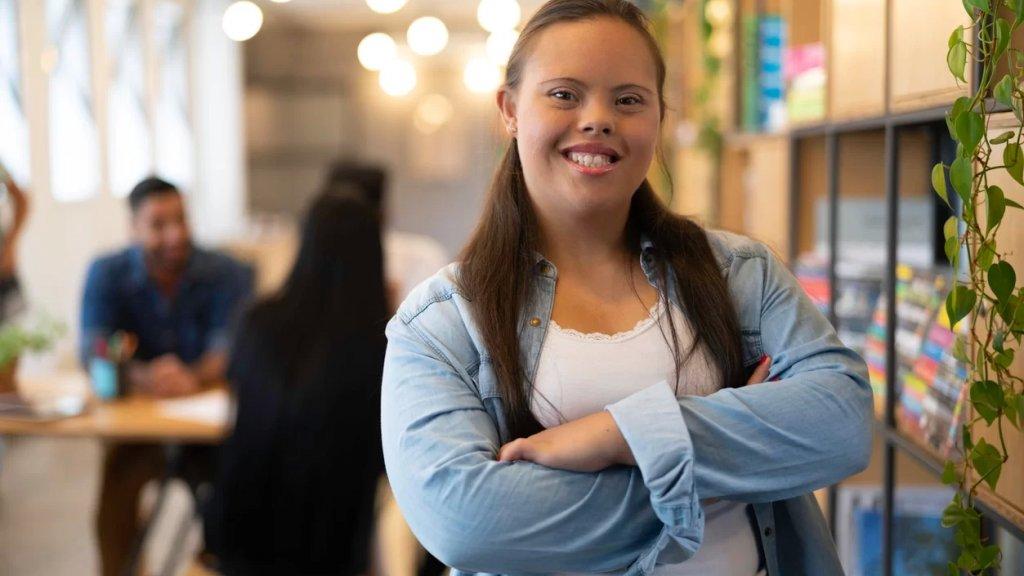فتاة أمريكية تعاني من متلازمة داون استُبعدت من صور تذكارية لفريق التشجيع بمدرستها