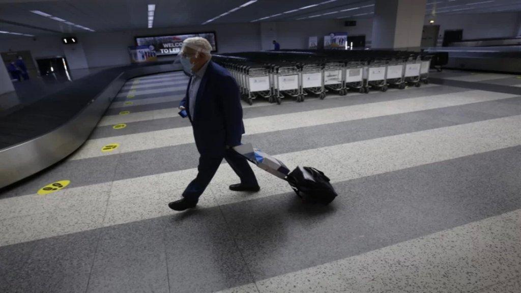 الهجرة تساوي بين اللبنانيين.. بين الشباب وكبار السن، المتحمّسون للهجرة من مختلف الأعمار