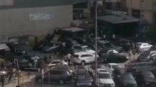 بالفيديو/ اشكال وهجوم على معرض للسيارات في محلة صفير وسقوط 3 اصابات بعد اطلاق النار على اصحاب المعرض