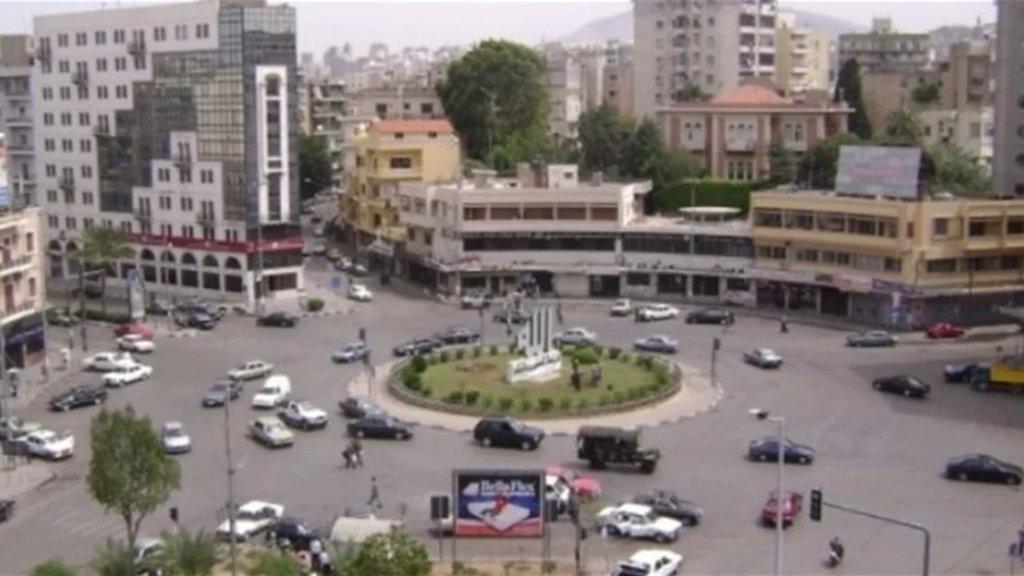 قطع أوتوستراد طرابلس البداوي بالإطارات والمستوعبات احتجاجا على الغلاء