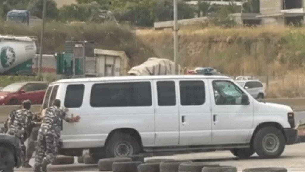 فيديو متداول: نفاد البنزين من سيارة تابعة لـ قوى الامن