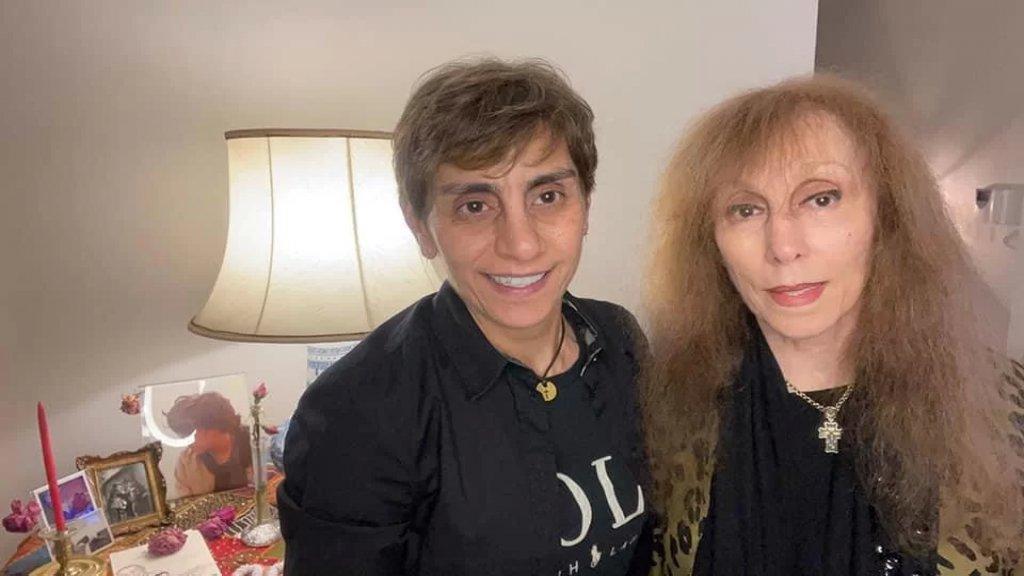 ريما الرحباني تنشر أحدث صورة مع والدتها السيدة فيروز