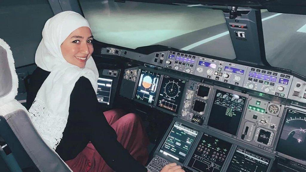 عن مايا غزال.. أول لاجئة سورية أصبحت قائدة طائرة فى بريطانيا