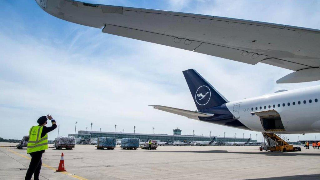 وفاة مسن لبناني ومعاناة على متن طائرة متجهة من لبنان إلى ألمانيا والسلطات البلغارية تحتجز الطائرة لإجراء تحقيقات بعد هبوط اضطراري