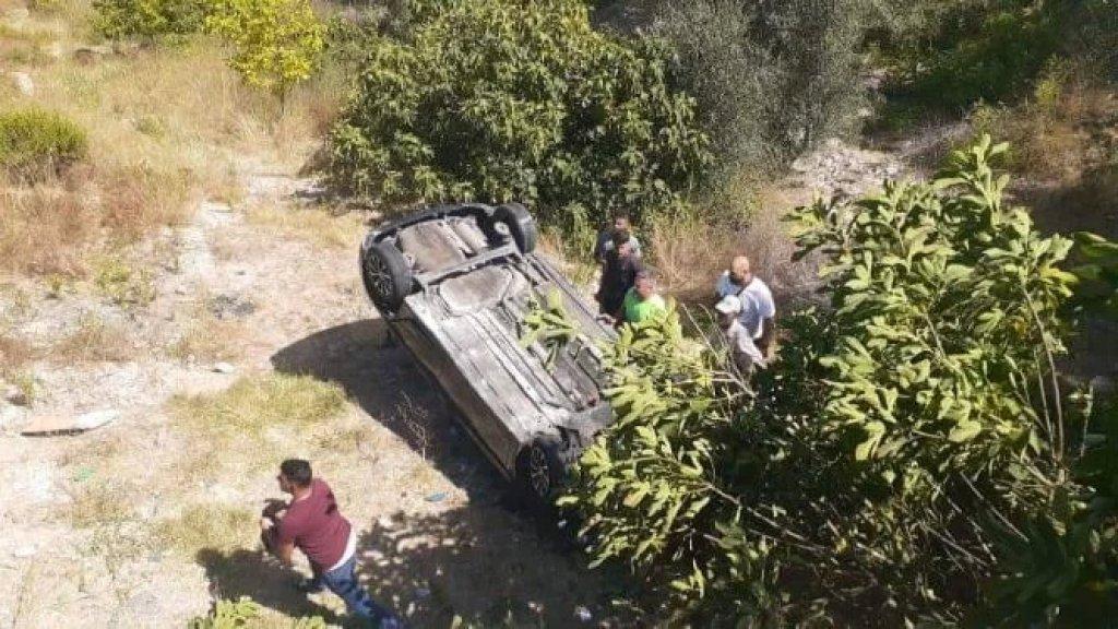 انقلاب سيارة على طريق قعقعية الجسر يوقع 6 جرحى من آل كلاكش بينهم نساء