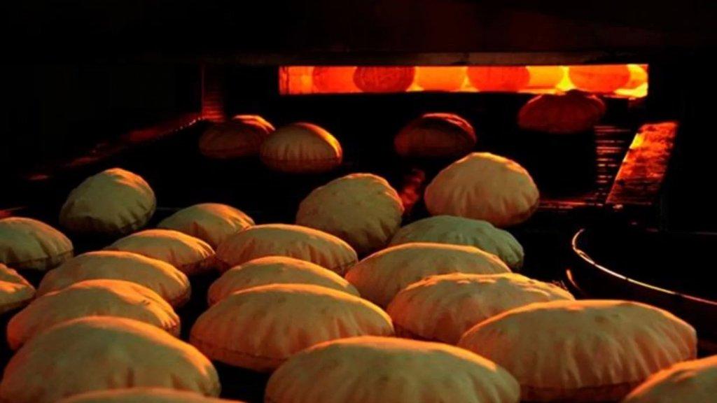 """نقيب أصحاب المخابز والأفران يُحذر من """"طوابير الخبز"""": بعض الافران ستقفل خلال الايام القادمة بسبب عدم تامين مادة المازوت!"""
