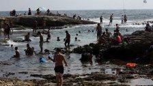 ثلث الساحل اللبناني غير صالح للسباحة!