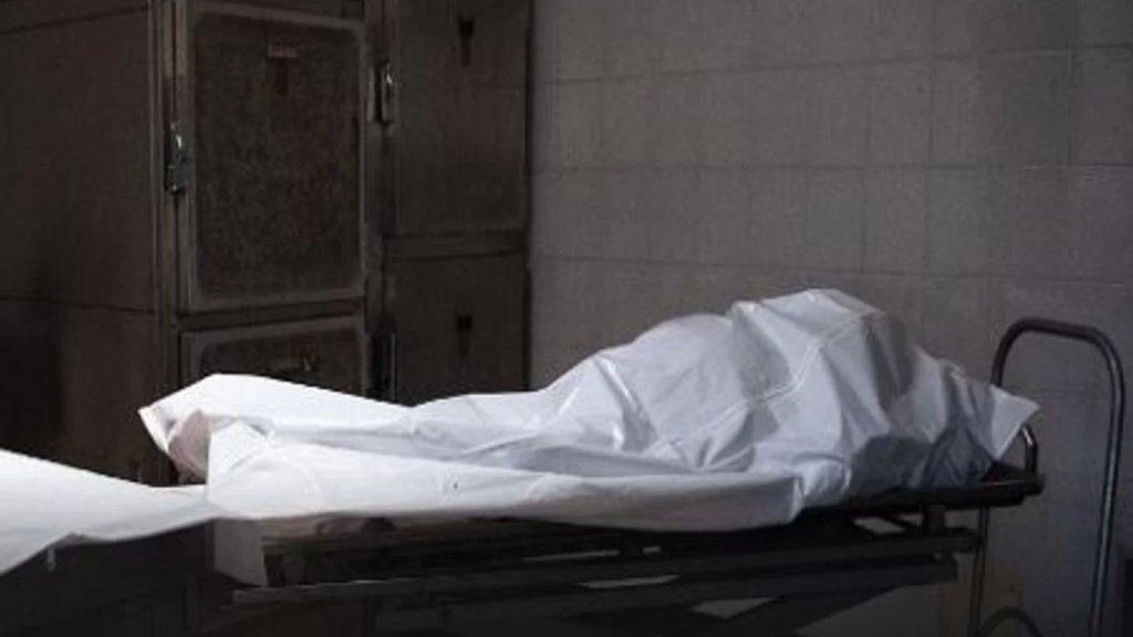 جثة متعفنة داخل براد احدى المستشفيات في صيدا بسبب انقطاع الكهرباء!