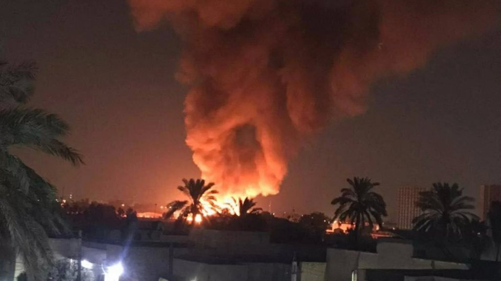 بالفيديو/ إندلاع حريق كبير داخل مطار المثنى وسط بغداد