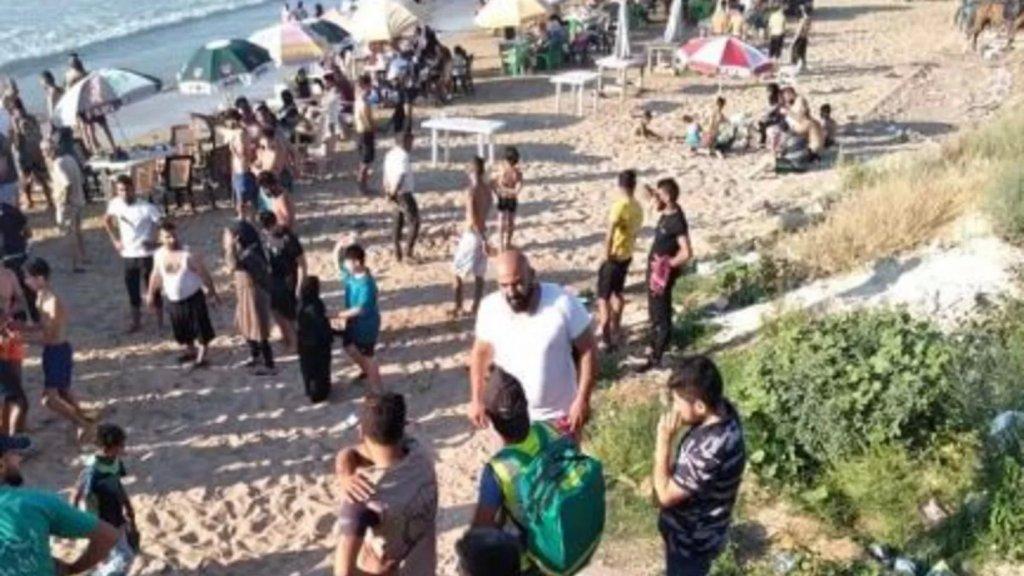 إنقاذ 3 أشخاص من الغرق عند شاطئ الغازية احدهم بحالة خطرة.. والبحث مستمر عن شخص آخر مازال مفقود!