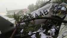 """بالصور/ 3 ضحايا (شابان وفتاة) إثر سقوط طائرة مدنية من نوع """"سيسنا"""" في غوسطا"""