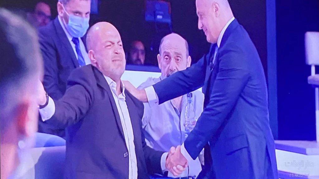 """بالفيديو/ """"طفح الكيل"""".. المواطن بسام الصمدي يصرخ غضبًا على الهواء بعد المناشدة لتأمين دواء لإبنته"""