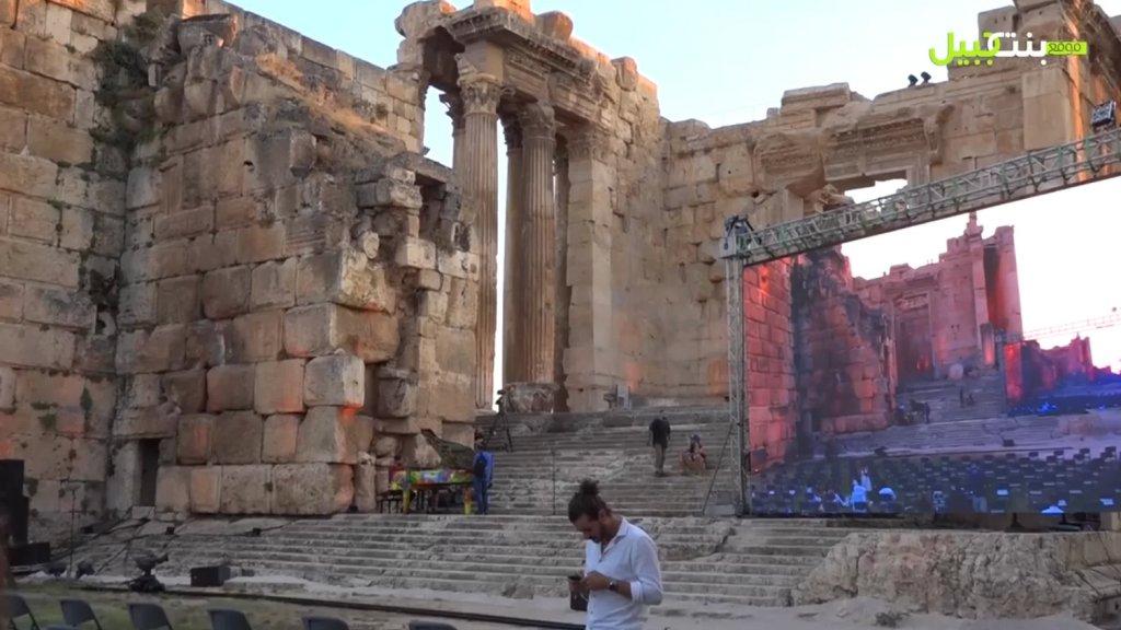 بالفيديو/ من بين الهياكل التراثية مهرجان بعلبك يطلق رسالة فرح وسط القهر من لبنان إلى العالم