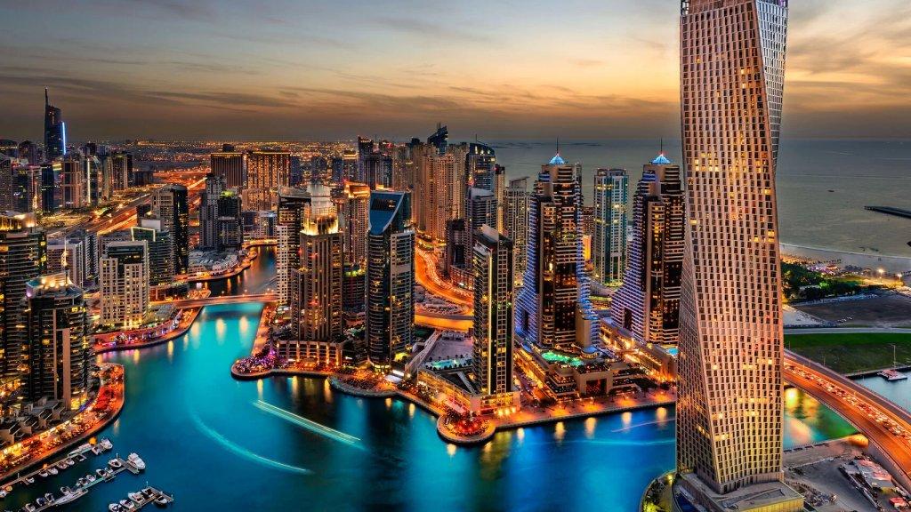 فرص عمل بالآلاف.. دبي تبحث عن 100 ألف مبرمج لإنشاء مئات الشركات الرقمية خلال السنوات القادمة!