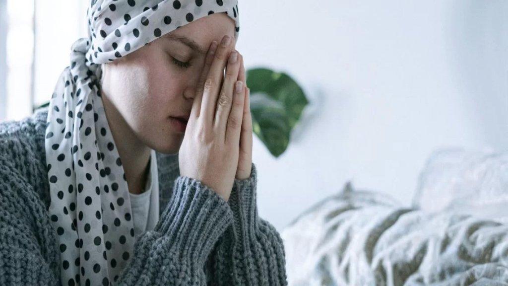"""""""إحتمال الشفاء من السرطان سيتراجع في حال بقينا على هذا الوضع"""".. نقص هائل في الأدوية والحقن المستعملة لعلاج مرضى السرطان"""