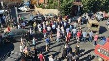 وقفة احتجاجية لشباب عانوت احتجاجا على وفاة الطفلة جوري السيد وللمطالبة بغرفة عناية فائقة للأطفال في اقليم الخروب وتأمين الأدوية والمازوت