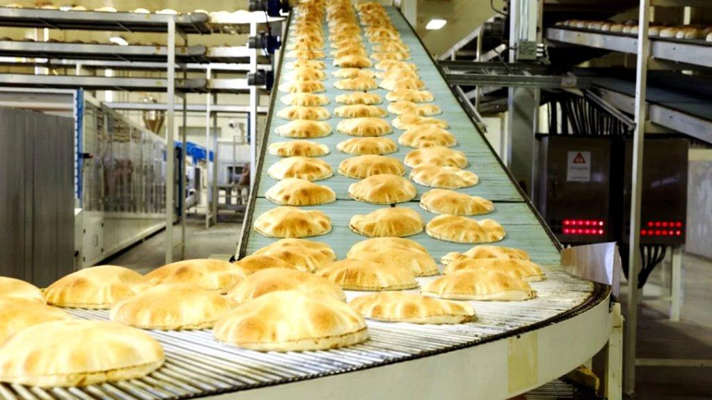 نقيب الأفران في لبنان الشمالي يناشد: الأفران في طرابلس وعكار ستعمد قريباً الى التوقف عن انتاج الخبز العربي بسبب نفاد احتياطها من مادة المازوت