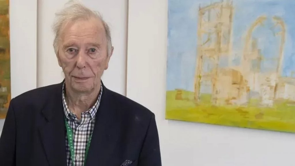 بعمر الـ96 سنة.. أكبر خريج جامعي في بريطانيا يحصل على شهادة في الفنون الجميلة