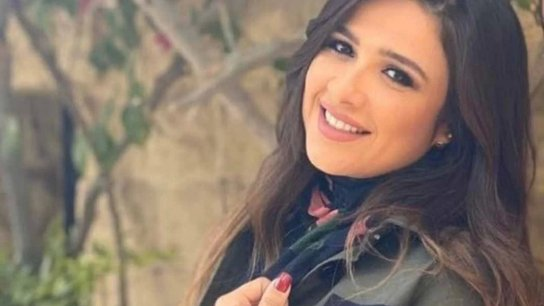 """بعد خطأ طبي..  الفنانة المصرية ياسمين عبد العزيز في غيبوبة وحالتها """"خطرة"""""""