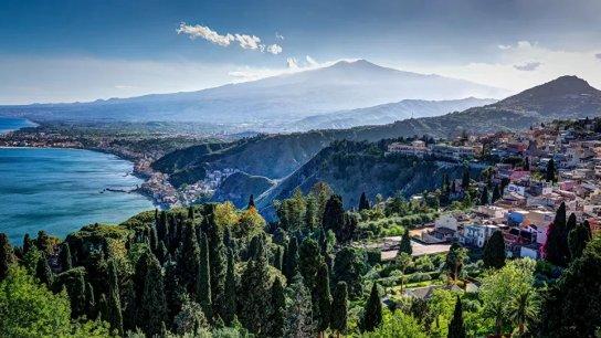 مدن إيطالية تستعد لدفع 33 ألف دولار لكل شخص يرغب في العيش بها