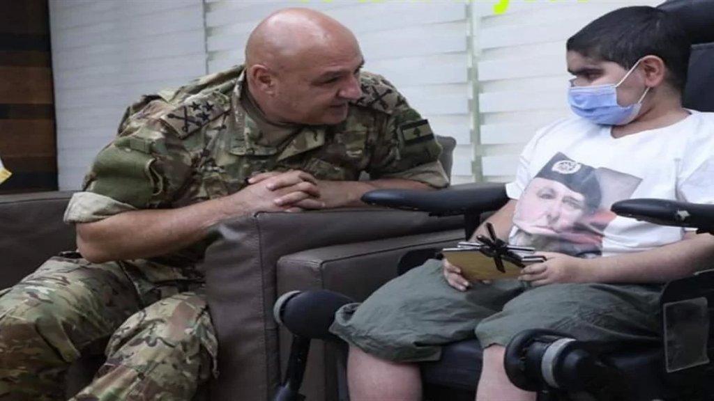 بعد مقطع فيديو مؤثر للطفل عبد الرحمان.. قائد الجيش يحقق حلمه