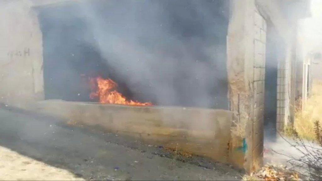 بالفيديو/ حريق في محلة محادية لسوق بنت جبيل وتمت السيطرة عليه قبل امتداد للنيران للسيارات