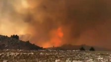 بالفيديو/ حريق القبيات يمتد الى أراضي أكروم... المشهد مخيف والأهالي يناشدون!