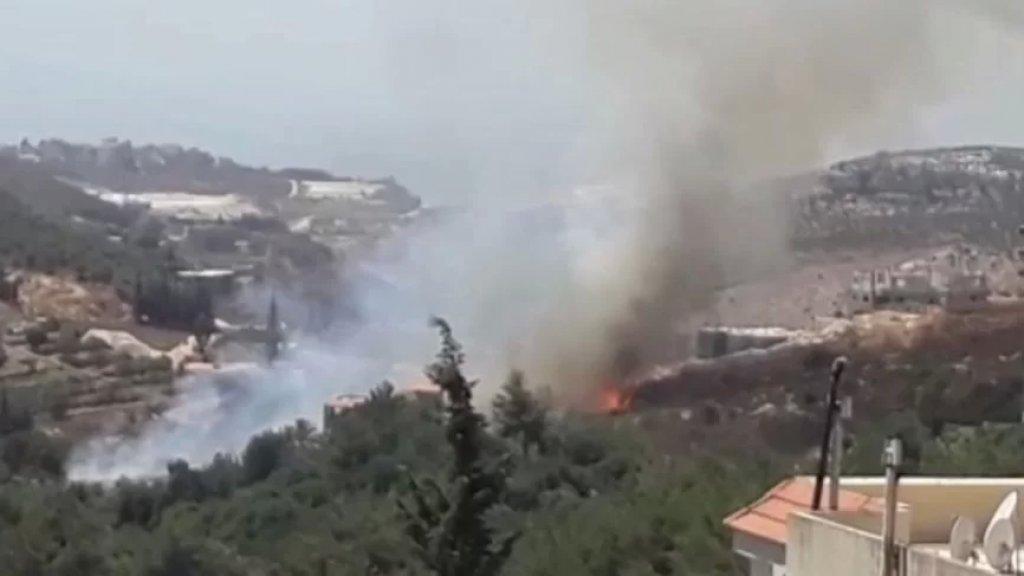 بالفيديو/ حريق كبير في أحراج منطقة المطاريات في بلدة مزبود بإقليم الخروب يلامس عدداً من المنازل