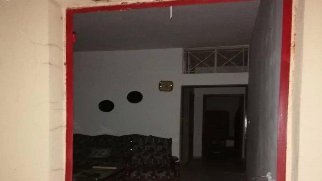 مجهولون سرقوا منزل في نمرين - الضنية... أفرغوه من محتوياته: الأجهزة الكهربائية والمنزلية وبعض الأثاث الخشبي إضافة إلى أبواب وشبابيك!