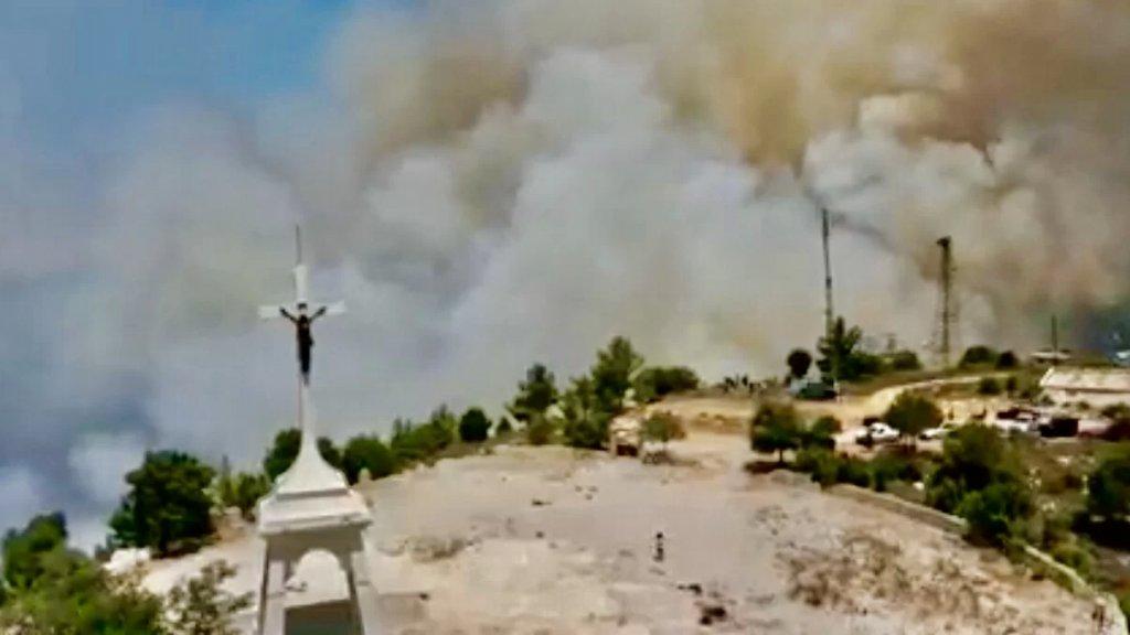 حريق في أحراج دير القمر وكفرقطرة والاهالي يناشدون المعنيين التدخل