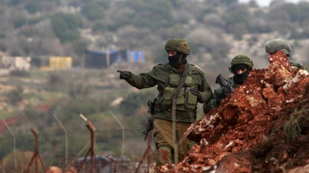"""""""إنهياره ضد مصلحتنا""""... وزير الدفاع """"الإسرائيلي"""": لا عمليات عسكرية ضد لبنان!"""
